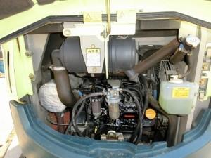 ヤンマー VIO30-2 エンジンルーム