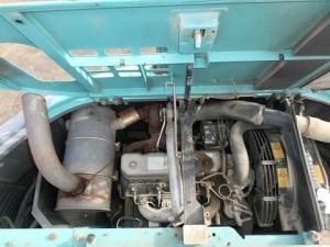 コベルコ建機 SK130UR-1E エンジンルーム