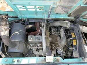 コベルコ建機 SK135SRD-1ES エンジンルーム