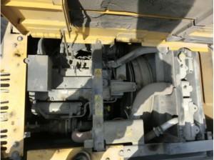 住友建機 SH135X-3B エンジンルーム