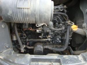 コマツ PC50MR-2 エンジンルーム
