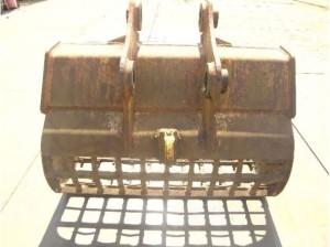 スケルトンバケット PC200用