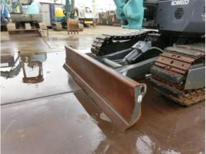 コベルコ建機 SK35SR-5 ブレード(排土板)