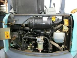 コベルコ建機 SK35SR-5 エンジンルーム