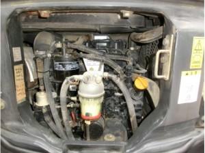 コマツ PC30MR-3 エンジンルーム