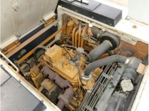 コマツ WA30-2 エンジンルーム