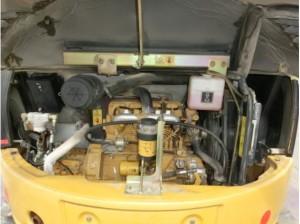CAT 305SR エンジンルーム